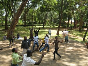 SNA-K Volunteers play teambuilding game